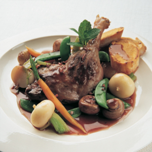 Duck ragout with mustard croutes