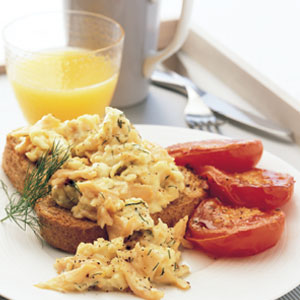 Scrambled eggs with smoked salmon and dill -