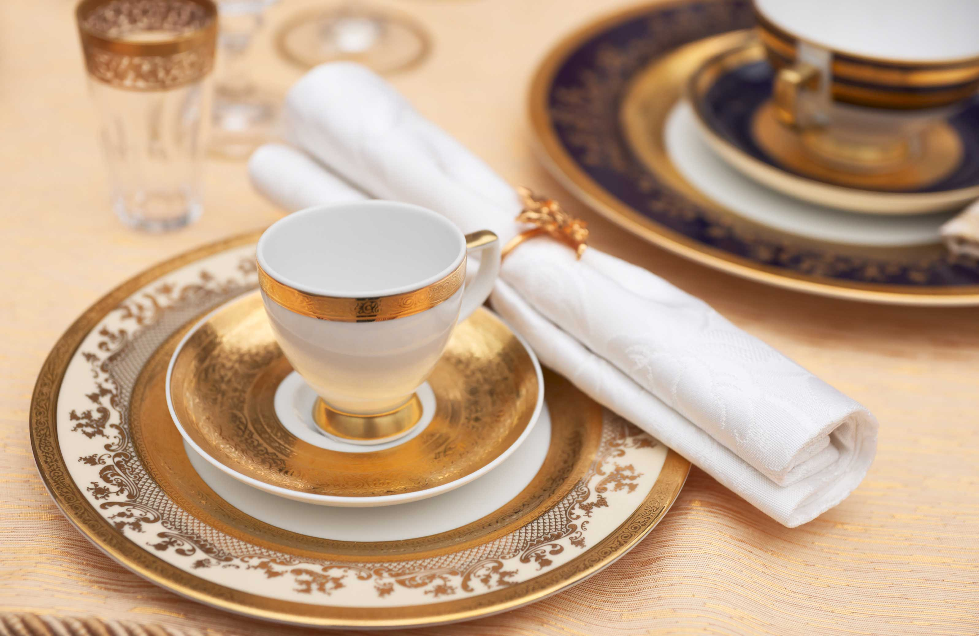 Gold plated dishes or utensils