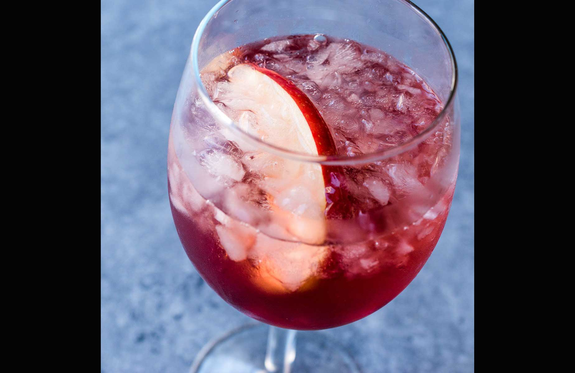 Turn wine into an instant cocktail
