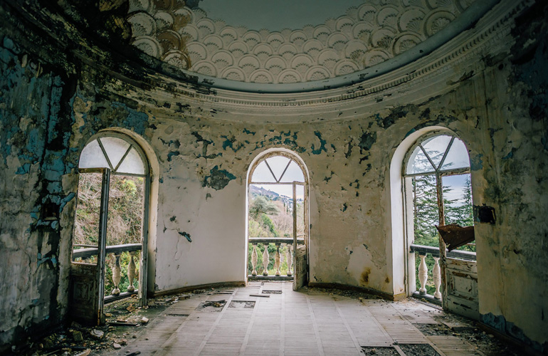 Spooky abandoned mansions