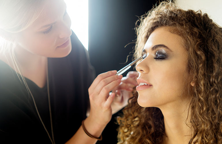 Tips makeup artists would like to tell you to your face